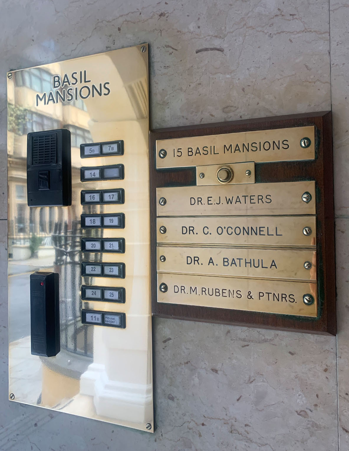 Knightsbridge Doctors - London Basil Street